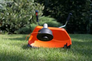 Best Trimmer Line: Three Products for the Perfect Lawn